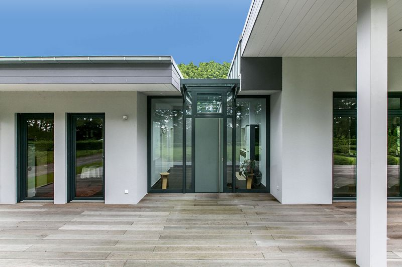 fenstern t ren und fassaden in stahl oder aluminiumbauweise elme sicherheitssysteme metallbau. Black Bedroom Furniture Sets. Home Design Ideas